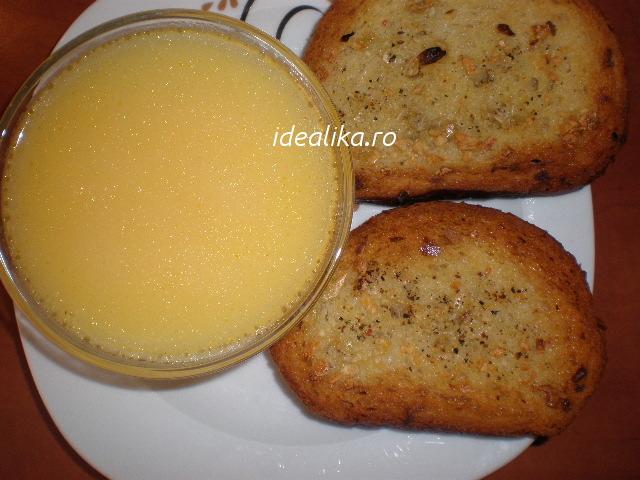 Fondue de cascaval si paine cu usturoi la cuptor