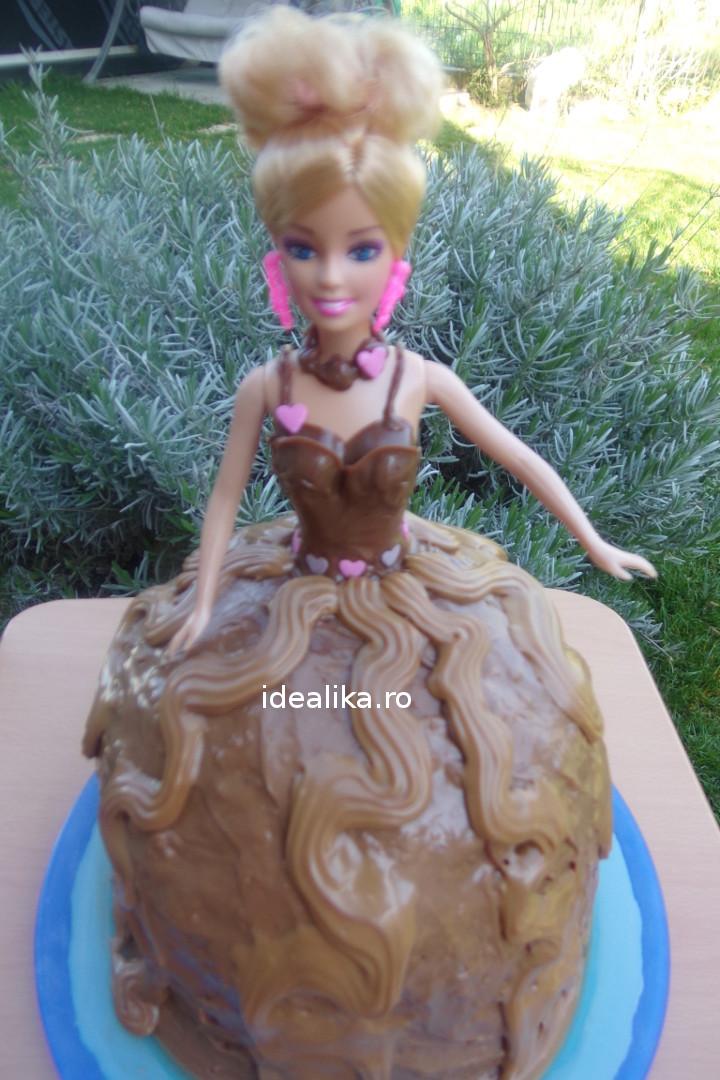 Tort papusa cu ganache de ciocolata