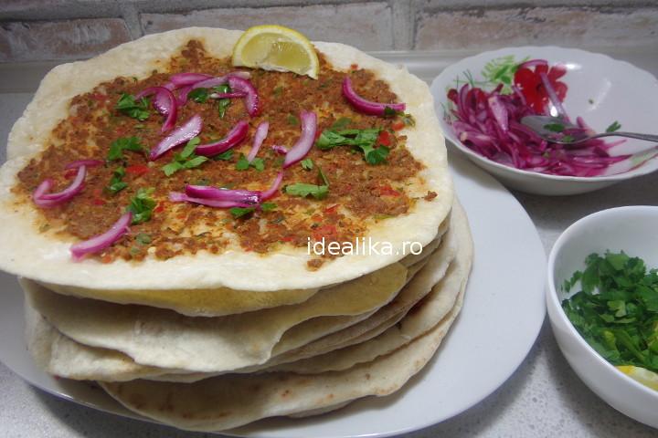 Pizza turceasca Lahmacun cu ayran – Reteta video