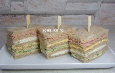 Sandwichuri cu patru culori