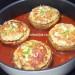 Ciuperci umplute cu pui in sos de rosii