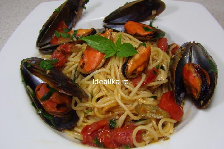 Spaghete cu midii – Reteta video