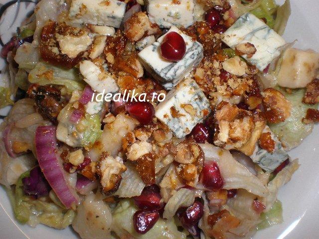 Salata Roquefort cu pere si rodie