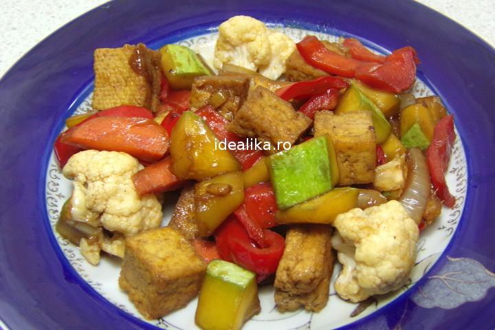 Tofu cu legume la tigaie – Reteta video