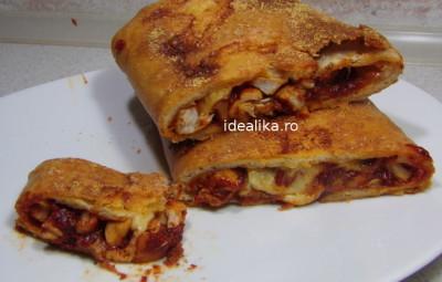 Pizza Stromboli cu pui
