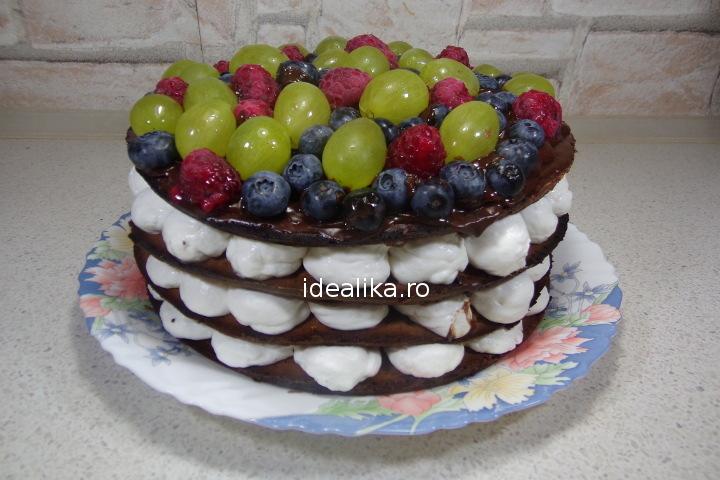 Tort de ciocolata cu fructe – Whoopie Pie